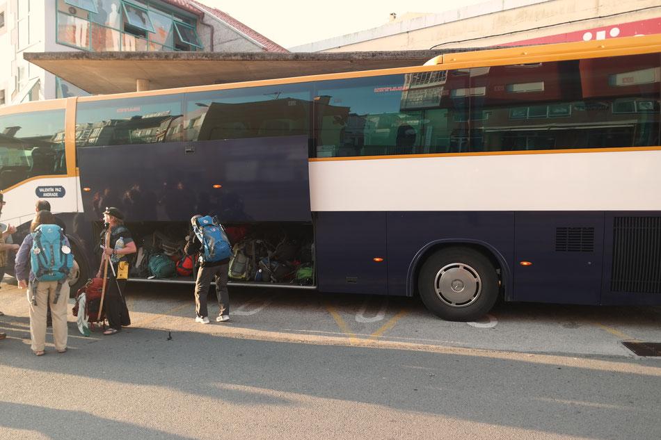 Nach drei Tagen in Santiago fahre mit dem Bus nach Finisterre