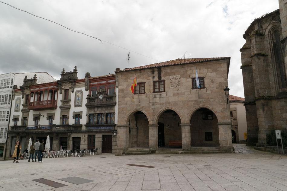 Betanzos mit alten Kirchen und stolze Geschichte