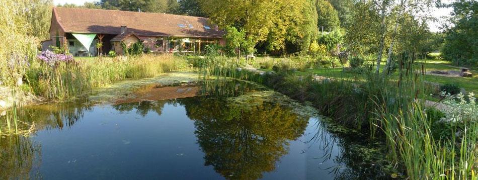 Haus mit Schwimmteich - September 2011