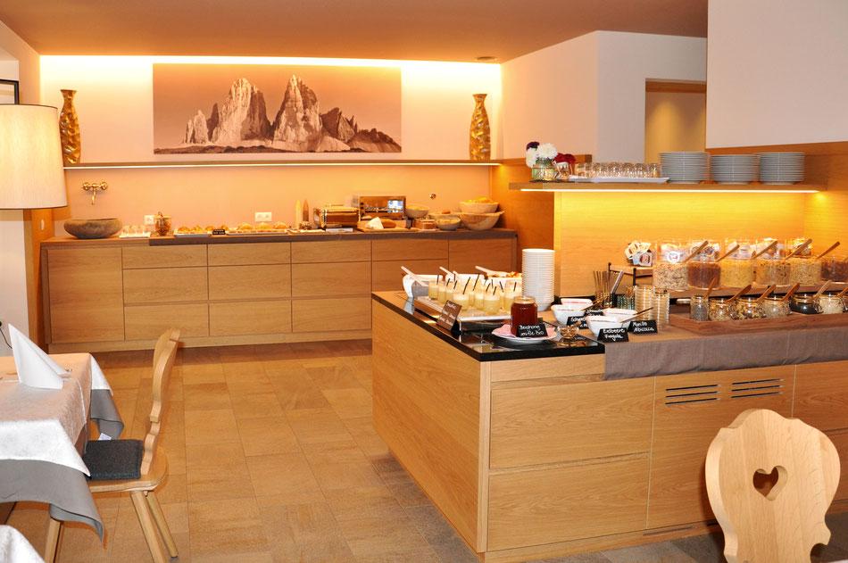 "breakfast ""Vital buffet"" - Garni Hotel Clara B&B Riscone Kronplatz Dolomites"