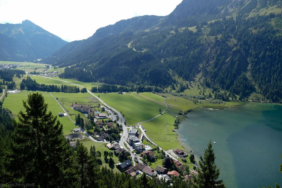 Blick vom Adlerhorst auf Haller am Haldensee