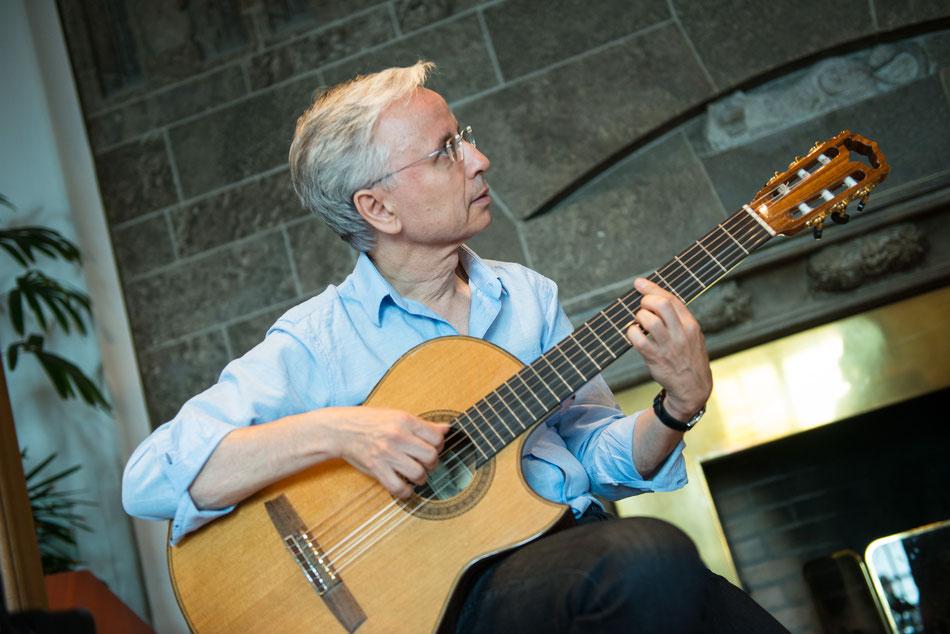 Gitarrist Rolf Marx Latinband Emocao