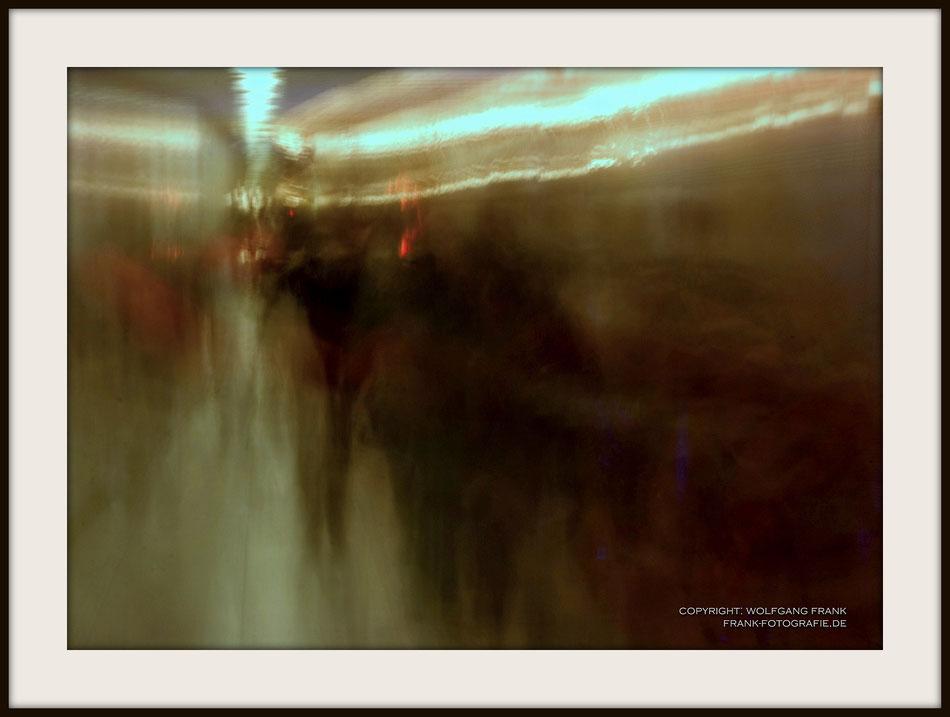 #029 Rush Hour (2011-11-04) - Fine Art Print auf Museo Silver Rag, 100% Baumwolle, Naturweiß, gepuffert, schwarzer Galerierahmen mit Passepartout