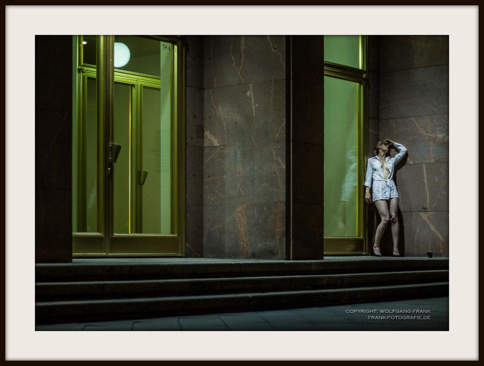 #004 - Lost (2012-07-30) Fine Art Print auf Museo Silver Rag, 100% Baumwolle, Naturweiß, gepuffert, schwarzer Galerierahmen mit Passepartout