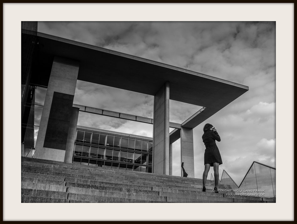 #014 Photo Of Berlin (2012-05-17) - Fine Art Print auf Shil Masterclass Baryta 290, archivfest, naturweiß, gepuffert, schwarzer Galerierahmen mit Passepartout
