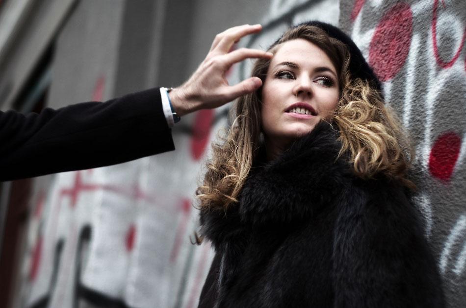 Eleonor Lyons, Russian opera singer, solo