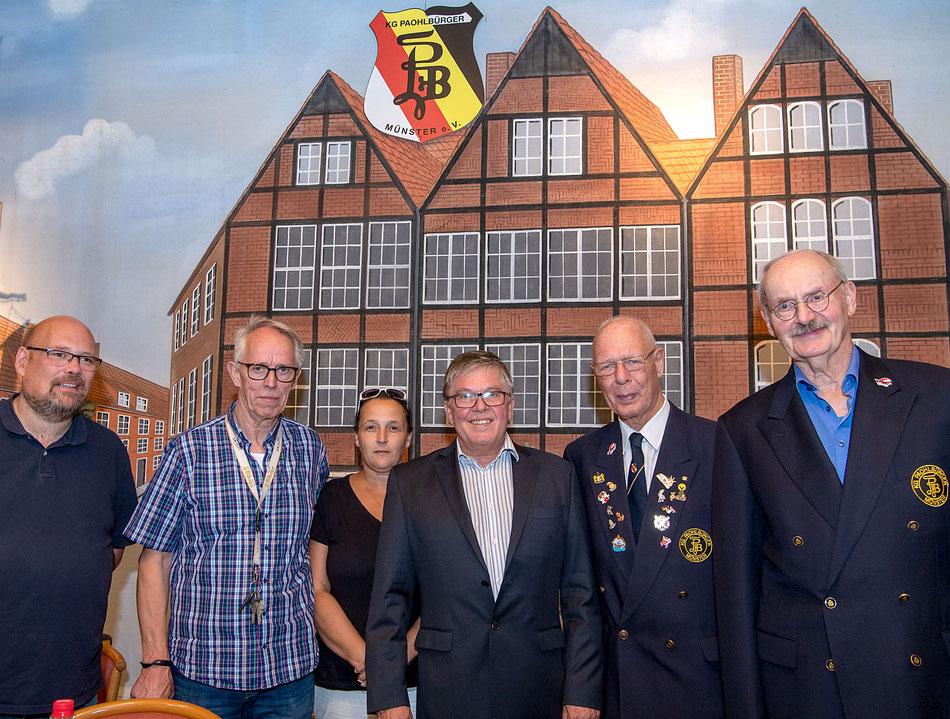 Der Vorstand der Paohlbürger ist wieder komplett (v.l.): Paul Schreiber, Peter Golla, Katja Pfeifer, Rüdiger Holtmann, Josef Kafille und Klaus Pieper.