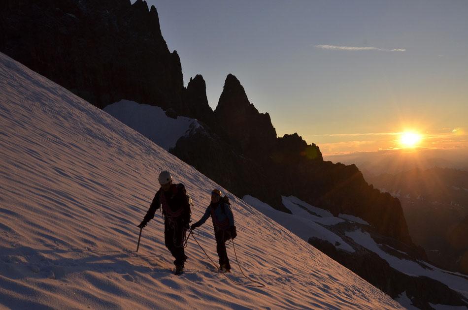 Toujour le grand bonheur du lever du soleil sur le glacier de la Plate des Agneaux
