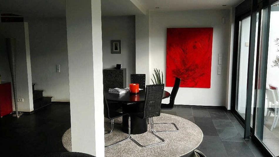 rotes Bild Wohnzimmer
