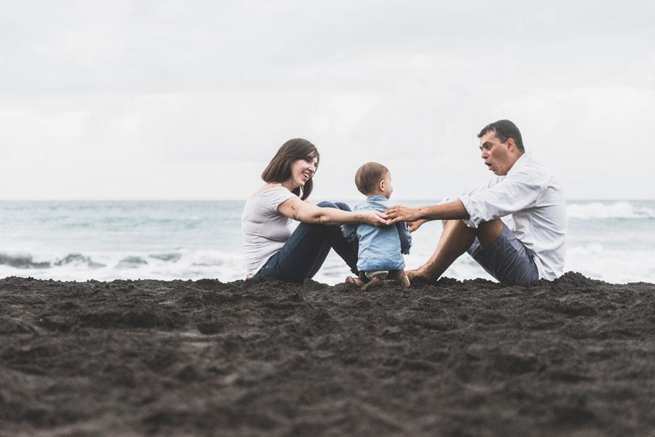 Fotografía de familia en Playa Jardín, Puerto de La Cruz, Tenerife