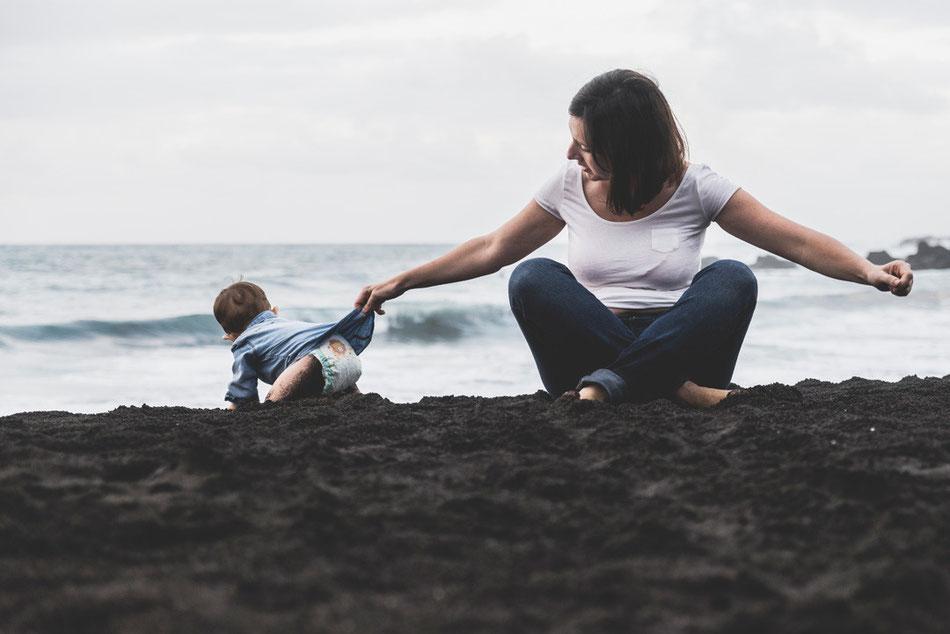 Fotografía de niños en Playa Jardín, Puerto de La Cruz, Tenerife