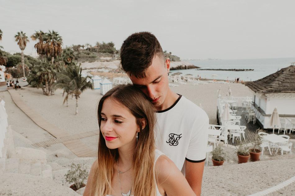 Sesión de pareja en la playa, en el sur de Tenerife, Costa Adeje
