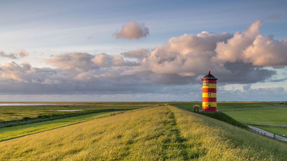 Pilsumer Leuchtturm in Ostfriesland, Krummhörn, in der Nähe von Greetsiel
