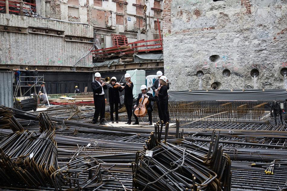 Das Orchester des Staatstheaters am Gärtnerplatz gehört zu den bedeutenden Orchestern Münchens. Entsprechend dem Profil des Gärtnerplatztheaters, das Musiktheater in all seiner Vielfalt zu zeigen, reicht das Repertoire des Orchesters vom Barock bis zu zei