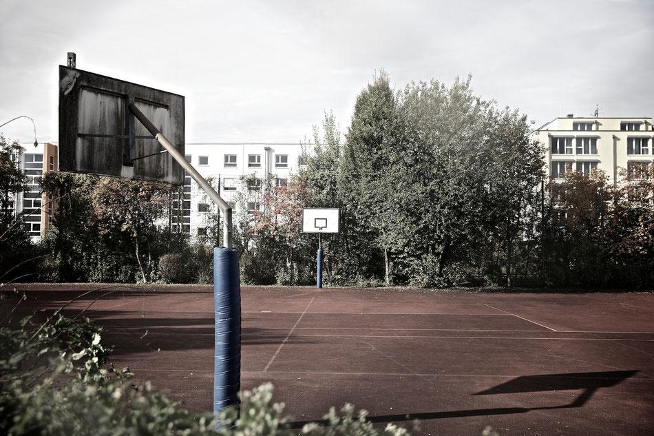 Sportplatz einer Schule / München