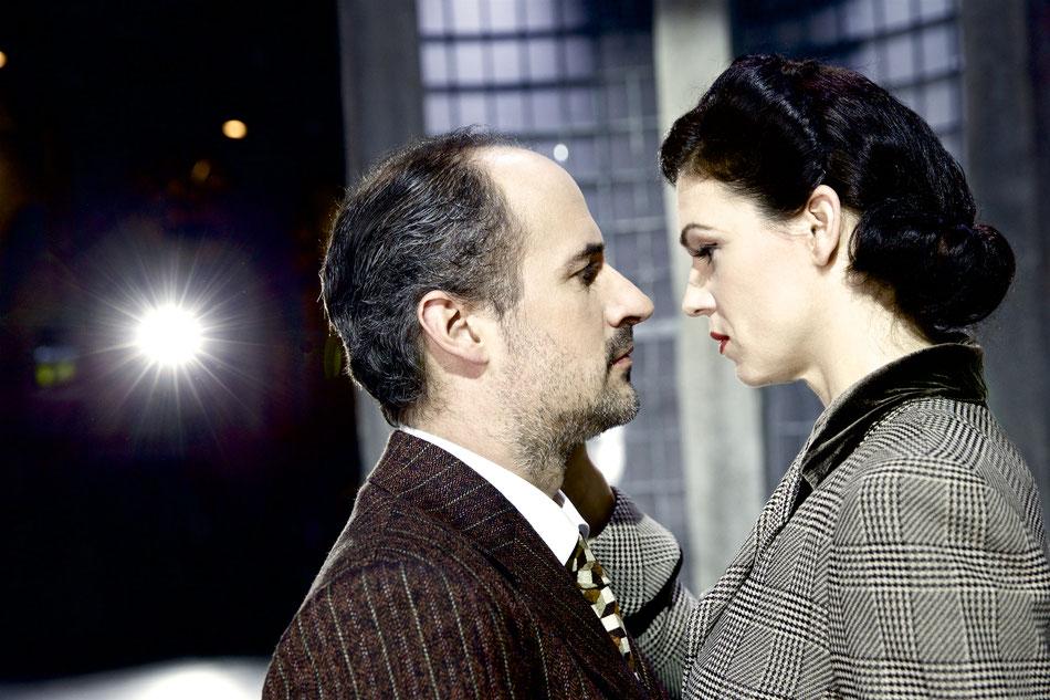 FRAU SCHINDLER  Uraufführung am 9. März in der Reithalle  22. Februar 2017  Die Oper FRAU SCHINDLER von Thomas Morse und Kenneth Cazan, ein Auftragswerk des Staatstheaters am Gärtnerplatz, feiert am 9. März Uraufführung in der Reithalle. Erzählt wird die