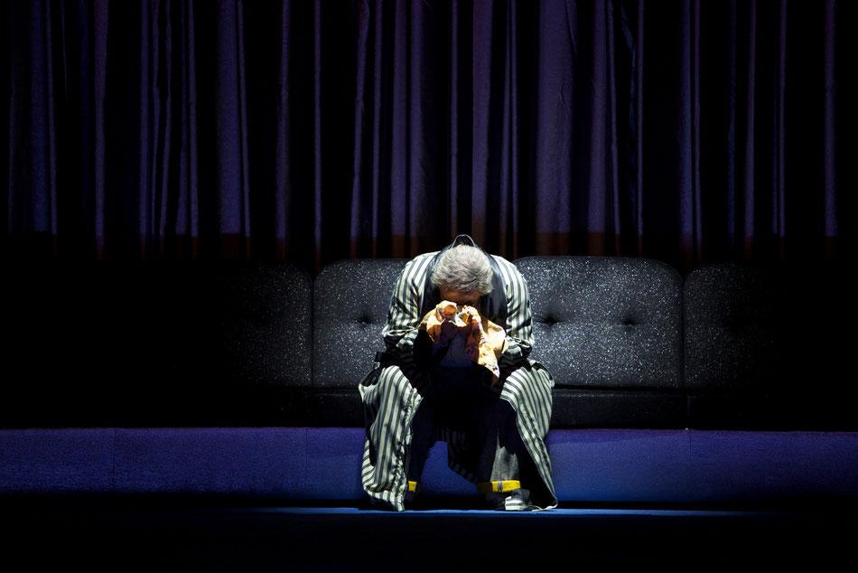 DON PASQUALE im Cuvilliéstheater  Marco Filippo Romano singt die Rolle des »Don Pasquale« ab 4. November 2012  30. Oktober 2012  Der italienische Bariton Marco Filippo Romano studierte am Konservatorium »Vincenzo Bellini« in Palermo und ist Preisträgerer