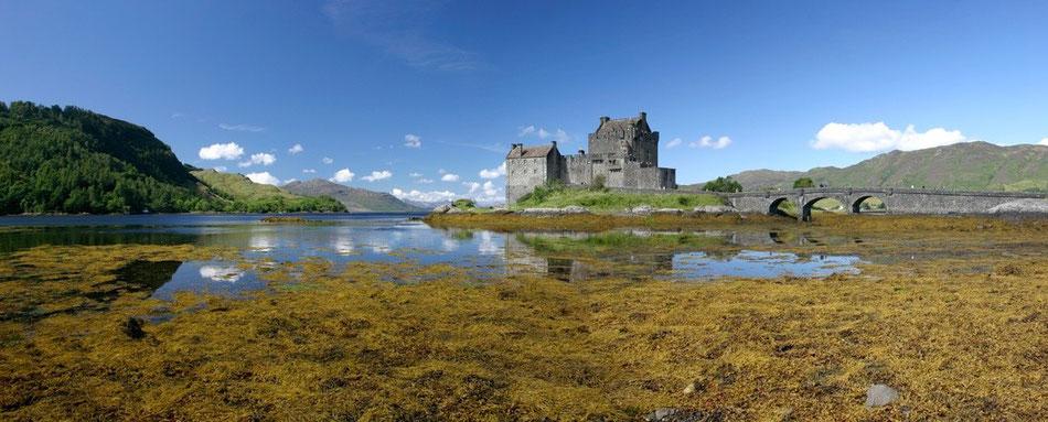 Eilean Donan Castle . Kyle of Lochalsh . Isle of Skye