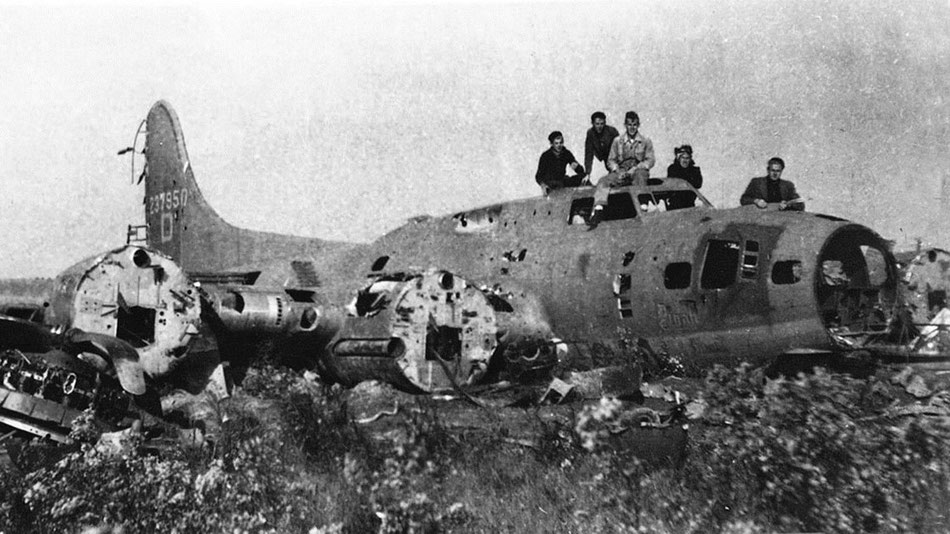 "Shot down on 10-02-1944, the B-17 ""Dinah Might"" at Noordoostpolder."