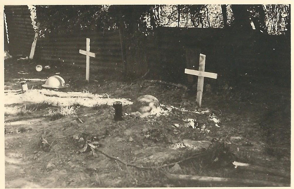 English graves at Borselle May 1940 (Ph. Reinders)