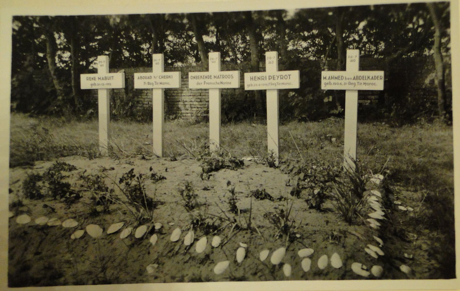 Ameland Cemetery, French graves, copyright Municipal Archives, Ameland