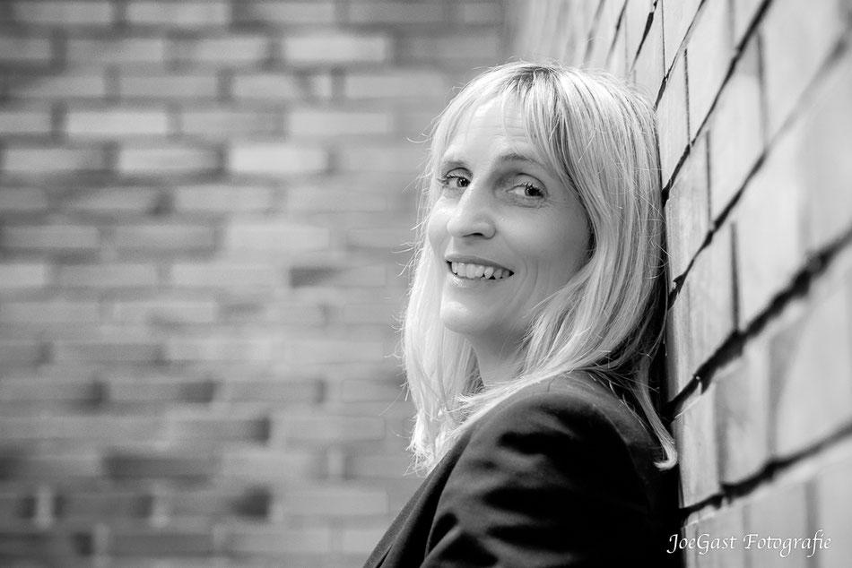 Dipl.-Psych. Friederike Klostermeyer-Dupont,  Psychologin in Hamburg. Um auf die Homepage zu kommen einfach aufs Bild klicken.