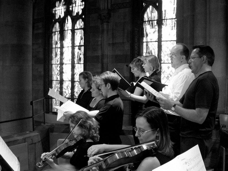"Uraufführung ""MISSA TRINITATIS"", St. Maria Stuttgart 2003. Ensemble MEMORIA TENERE."