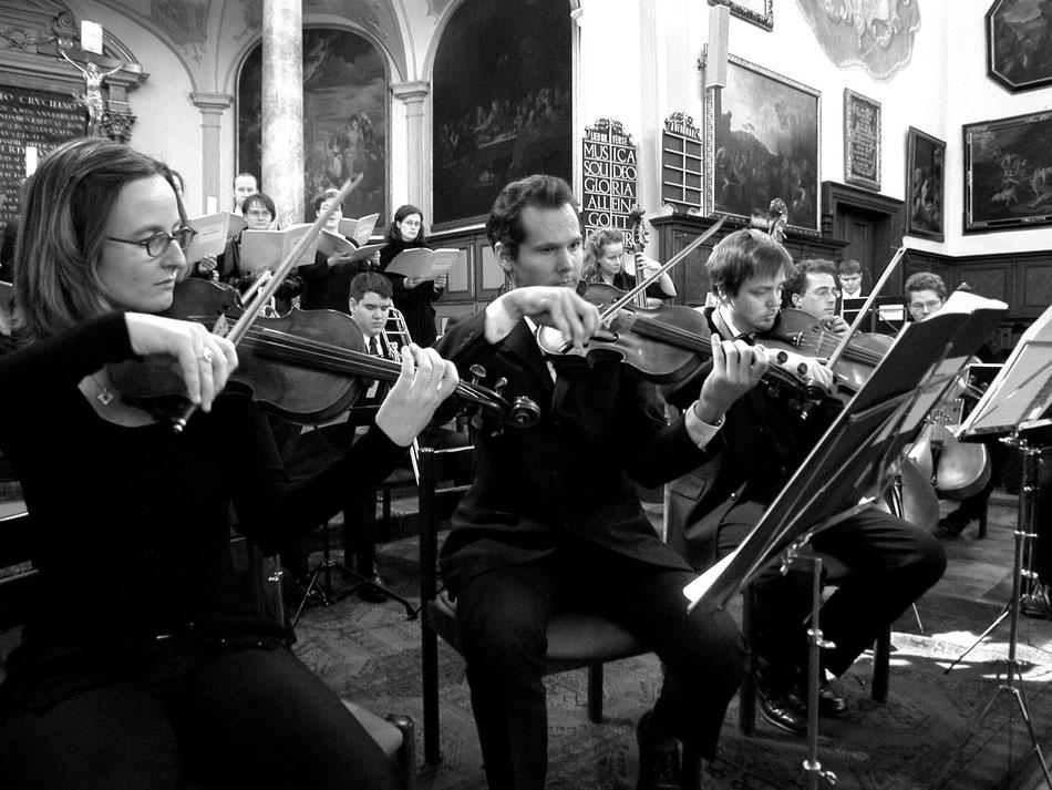 """Uraufführung """"MISSA AUGUSTA"""", Ev. Hl. Kreuz Augsburg 2002. Ensemble MEMORIA TENERE."""