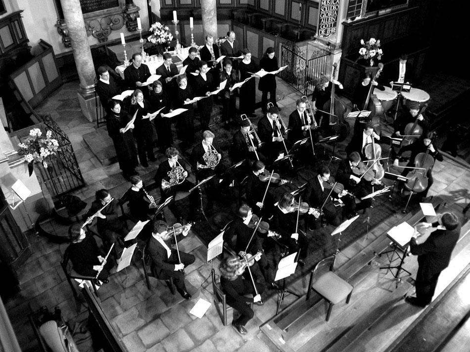 Uraufführung Missa Augusta, Ev. Hl. Kreuz Augsburg 2002. Ensemble MEMORIA TENERE.