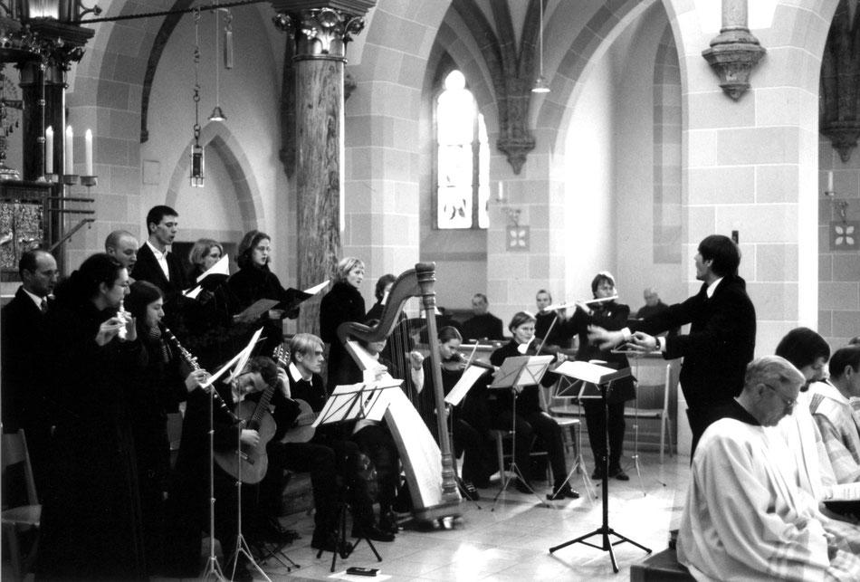"""Aufführung """"MISSA MILLENNIUM"""", St. Ottilien 2000. Ensemble MEMORIA TENERE."""