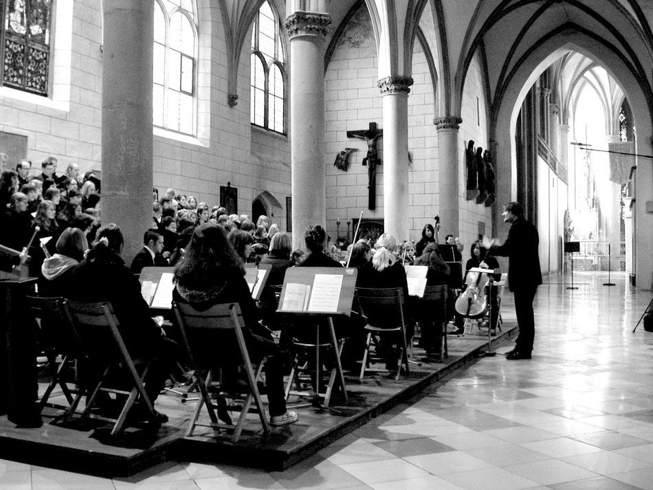 """Aufführung """"MISSA AUGUSTA"""", Augsburger Dom 2008. Chor und Orchester des Maria Stern Gymnasiums Augsburg"""