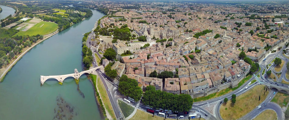 Avignon popes city