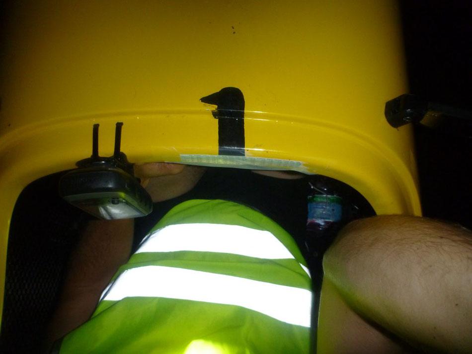 Als (zu spät eingesetzter) Insekten- und Zugluftschutz ist die Leuchtweste auch IM Velomobil zu etwas nütz 😉