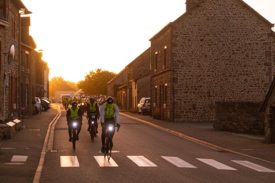Radfahrer am Morgen direkt neben meinem Schlafplatz