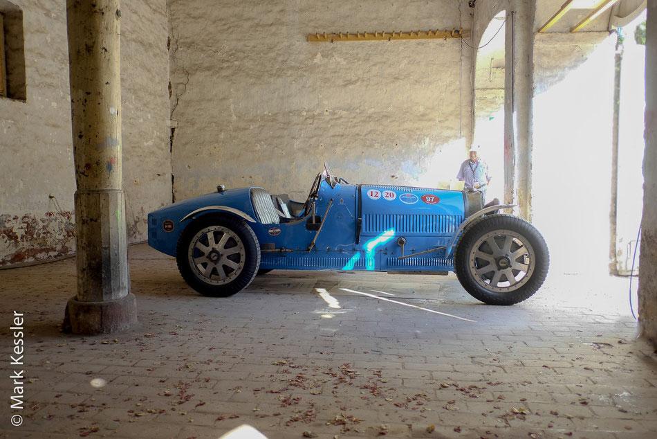 Bugatti im Fahrerlager
