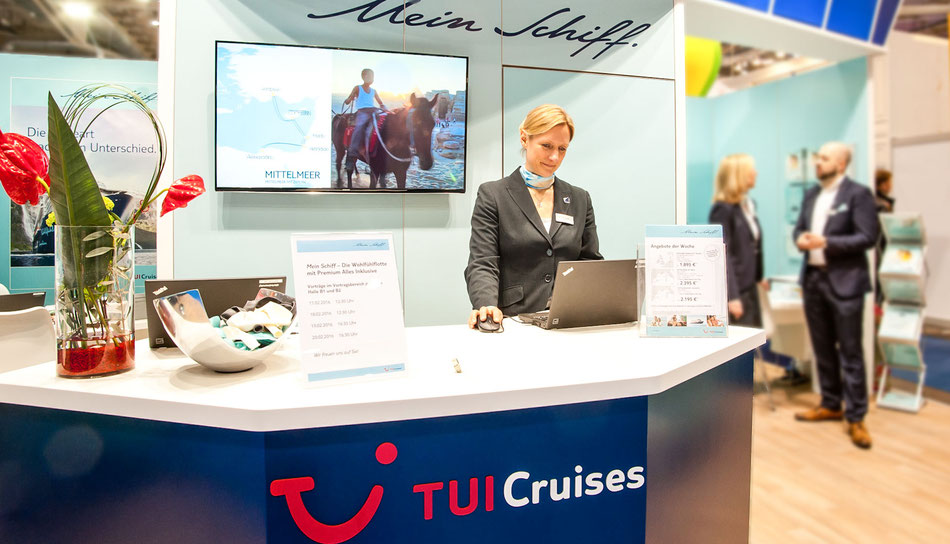 Messestand TUI Cruises