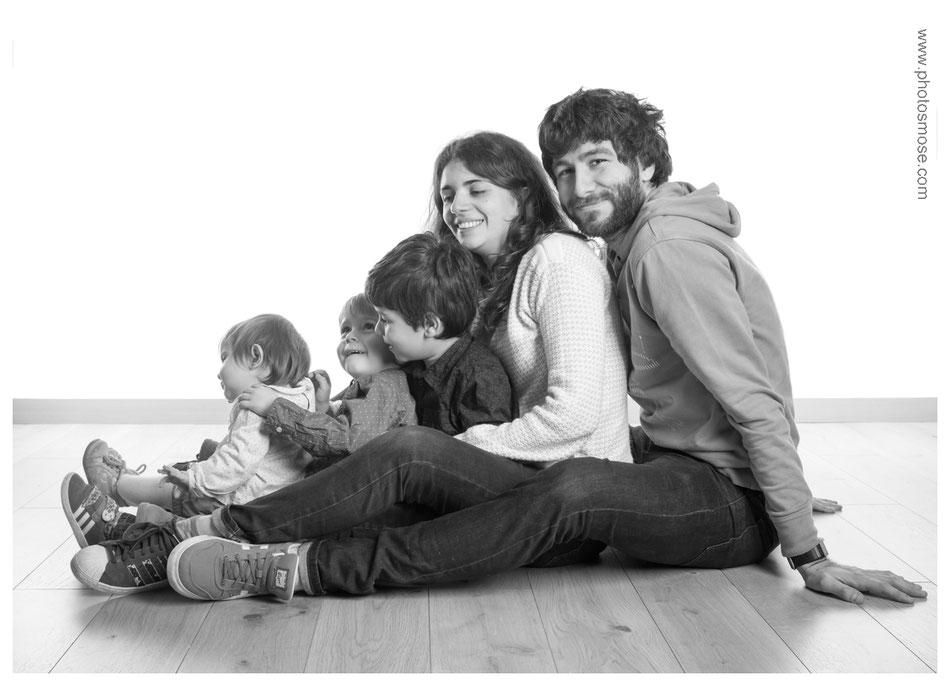 Photos de famille en noir et blanc chez Phot'Osmose - Moulins