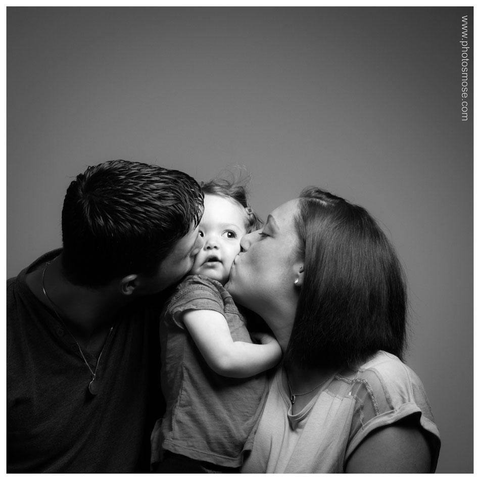 Photo de famille en noir et blanc chez Phot'Osmose - Moulins