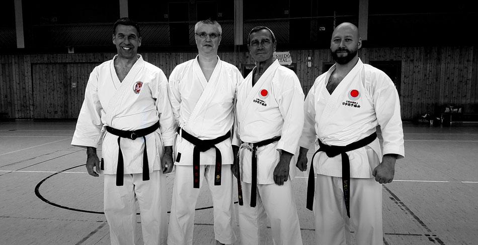 f.l.t.r.: Gerd Thielmann (1. Vorsitzender des Bushido Selztal e.V.), Johnny Durant (Übersetzer), Sensei Jean-Pierre Fischer, Erol Alp