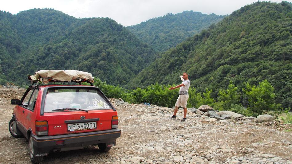 A Kaukázus hegyei közt