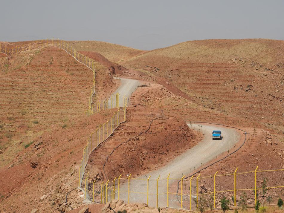 Kopár hegyek és pusztító hőség Tabriz határában.