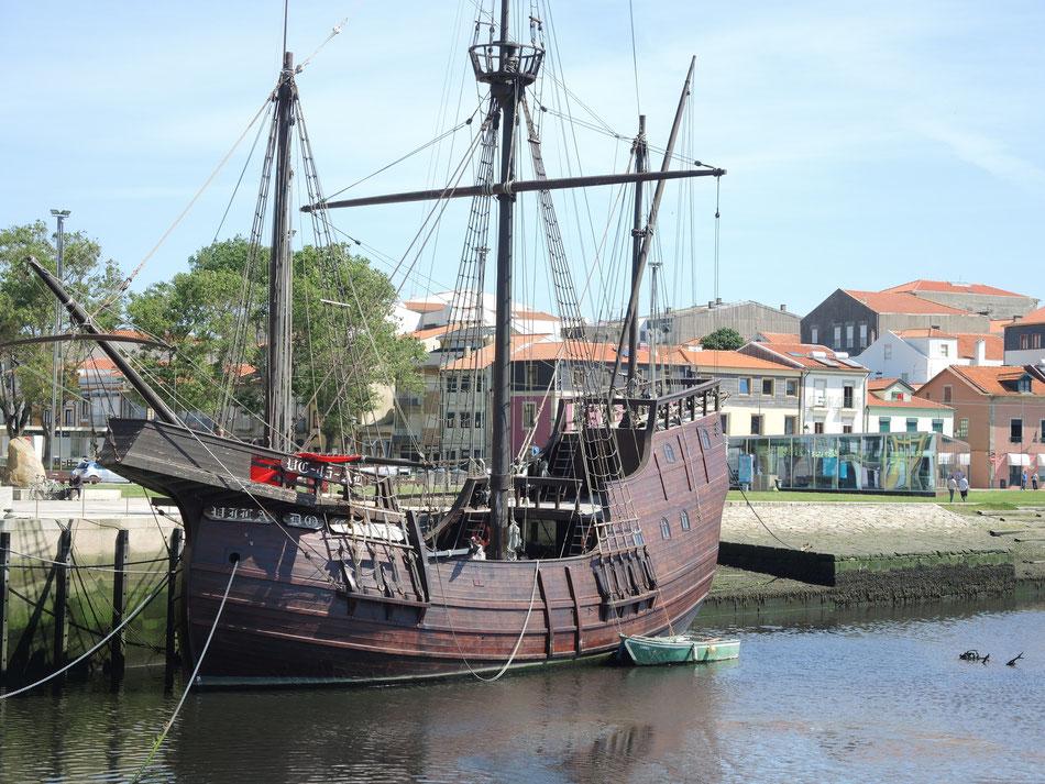 Das Schiff aus dem Fernando Magellan Geschwader, die Apollo Kapsel aus dem Jahr 1519.