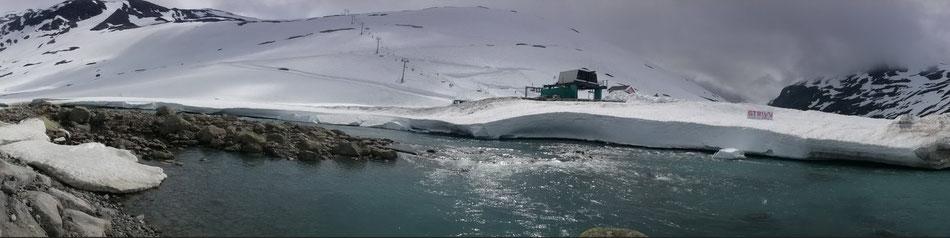 Skibetrieb auf Gamle Strynelfjellvegen