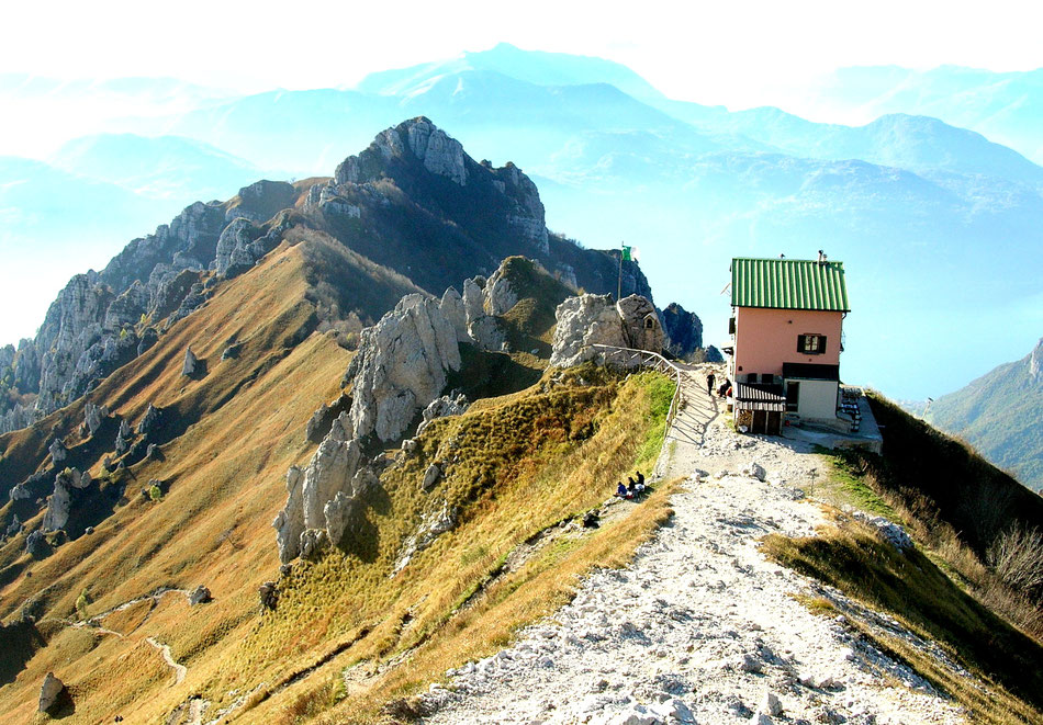 Rosalba hut (1730 m) - Grigna Meridionale