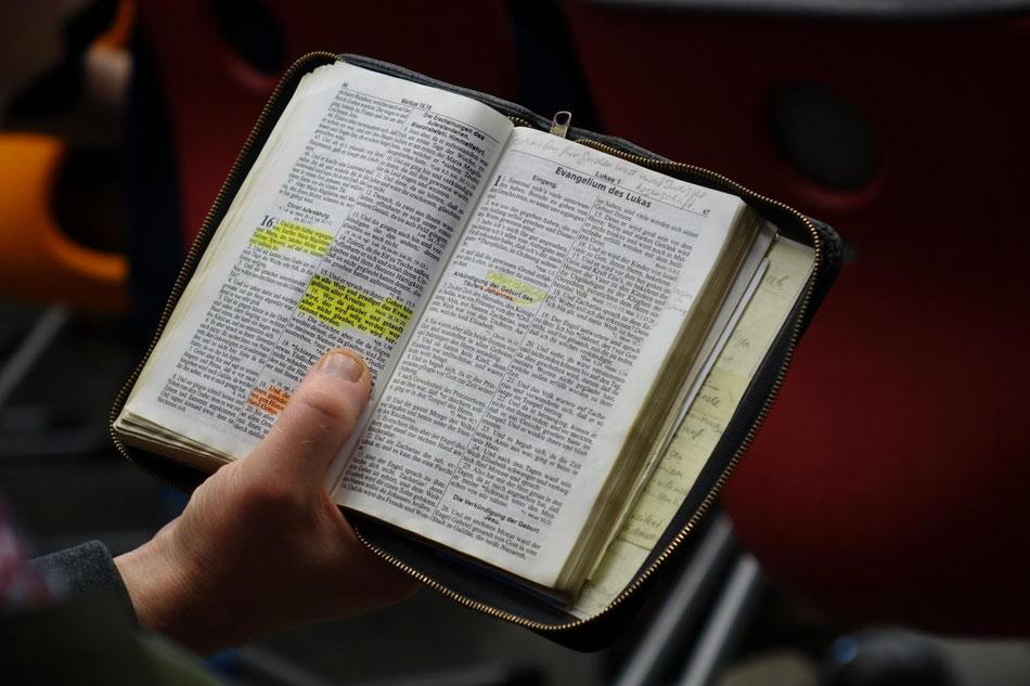 Die offene Bibel | Das lebendige, wahre Wort Gottes | Foto: T@E