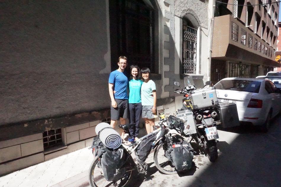 Au Hei Yan treffen wir in Konya, Türkei und kleben an ihren Lippen, als sie von ihrem Pamir Erlebnis berichtet. Eine echte Abenteurerin!