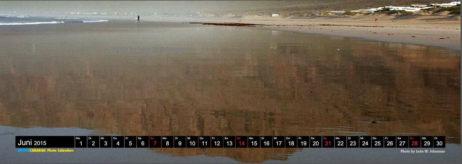"Bild oben: Aus dem Kalender ""Vamos a la playa 2015"" der EDITIONCANARIAS. Motiv: Playa de Famara. Photo © León W. Schoenau"