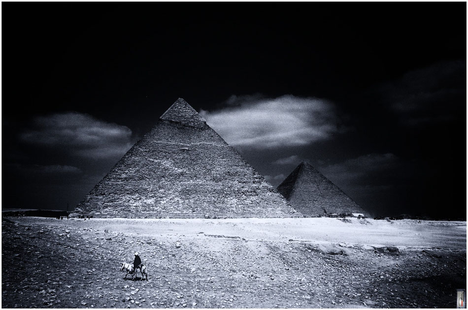 Pyramids of Giza (Giza/Egypt) / 2004