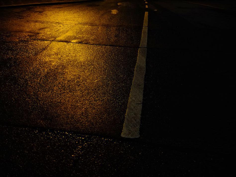 Nacht-regen-nasse-Strassen II