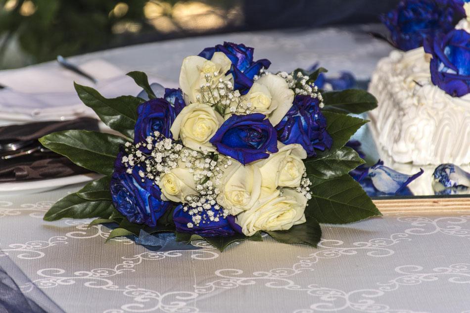 bouquet-sposa-blu-e-bianco